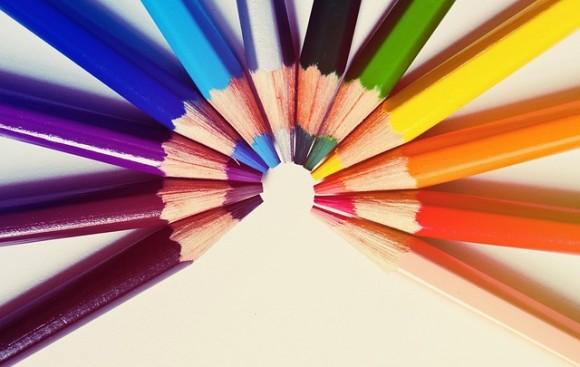 さまざまな色鉛筆